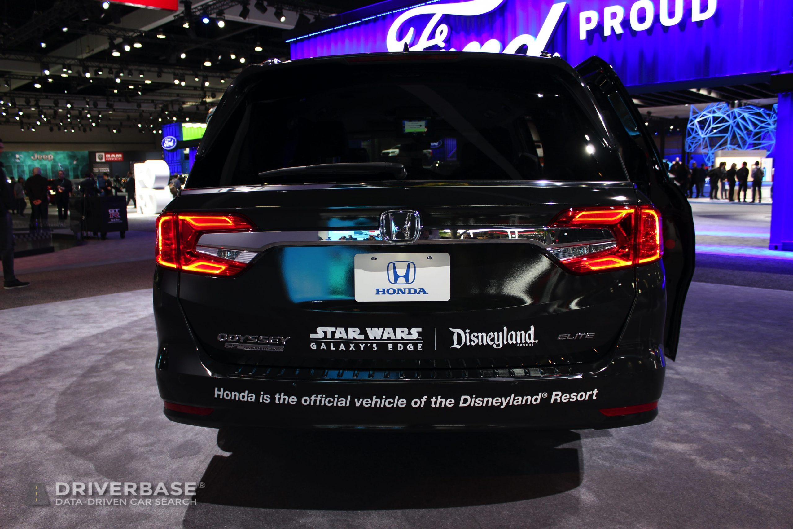 2020 Honda Odyssey Elite at the 2019 Los Angeles Auto Show