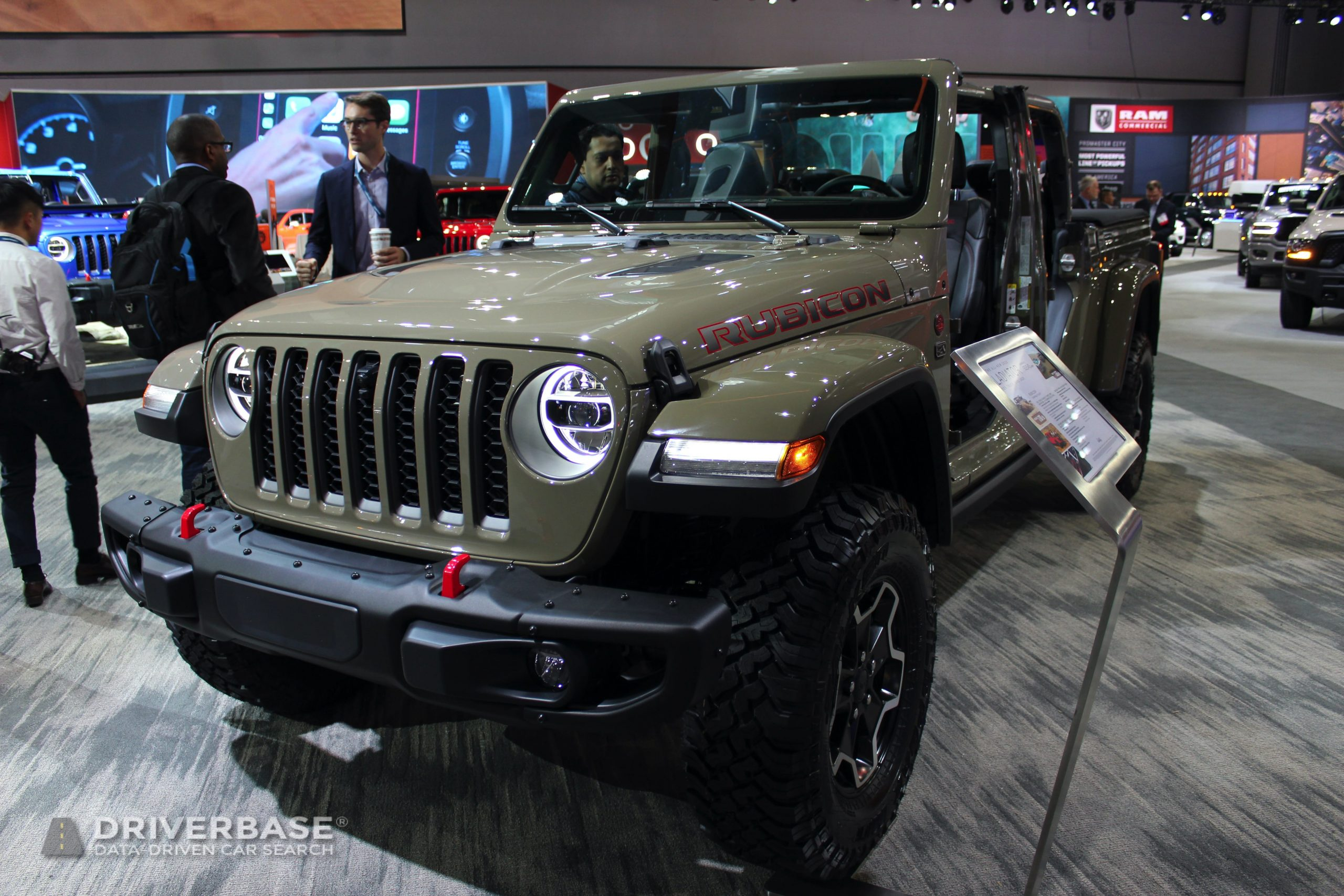 2020 Jeep Gladiator Rubicon at the 2019 Los Angeles Auto Show