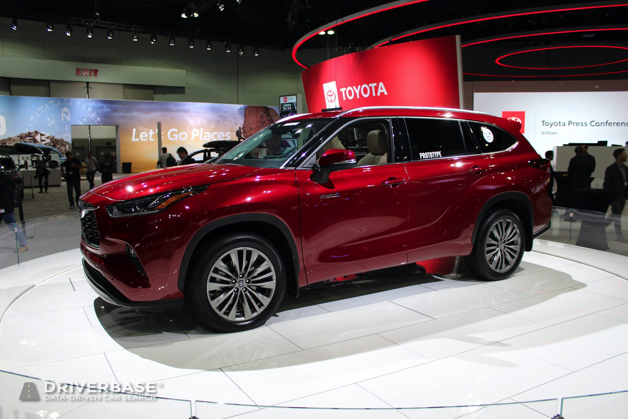 2020 Toyota Highlander Hybrid at the 2019 Los Angeles Auto Show