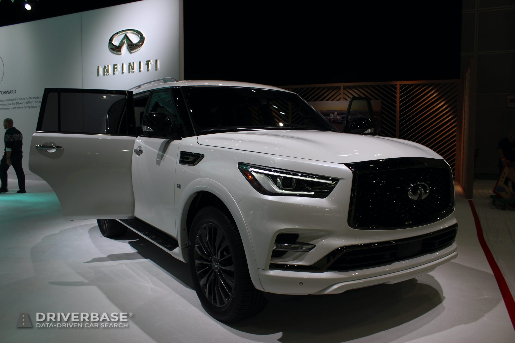 2020 Infiniti QX80 at the 2019 Los Angeles Auto Show