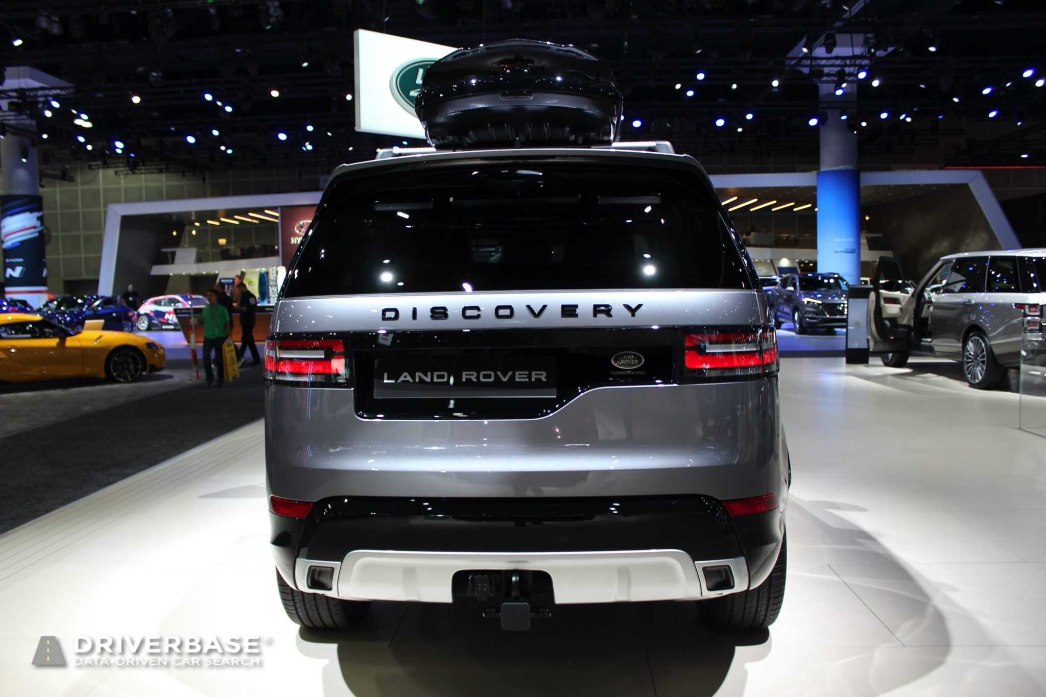 2020 Land Rover Discovery at the 2019 Los Angeles Auto Show