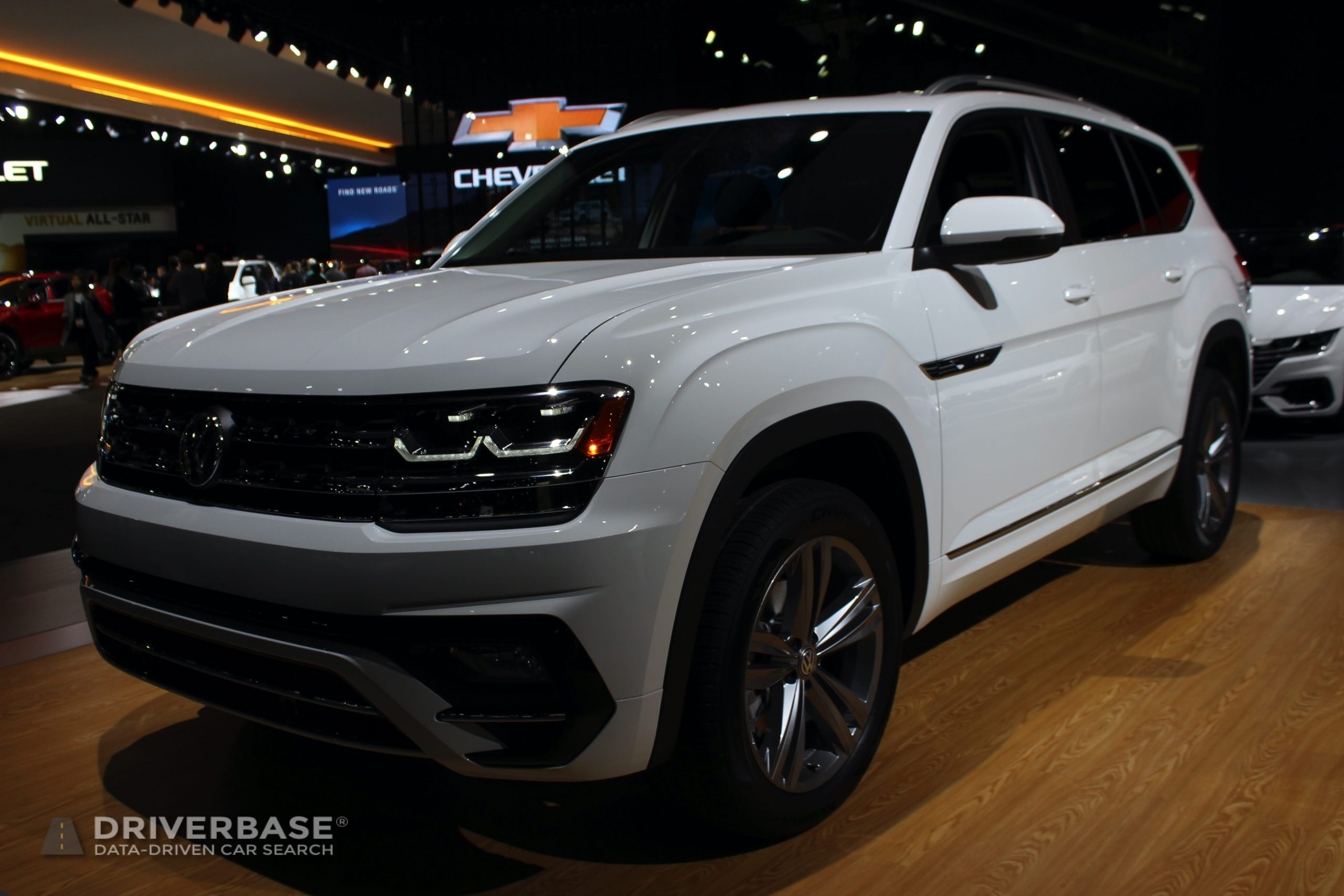 2020 Volkswagen Atlas SEL R-Line at the 2019 Los Angeles Auto Show